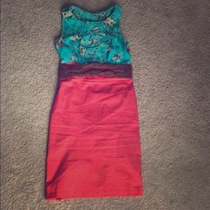 Sleeveless dress with belt - size 6